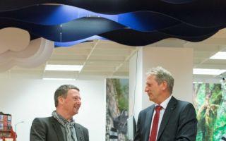 ARS-Vorstandsvorsitzender Franz Josef Fries (links) zusammen mit Einkaufs- und Vertriebsvorstand der EK Bernd Horenkamp.