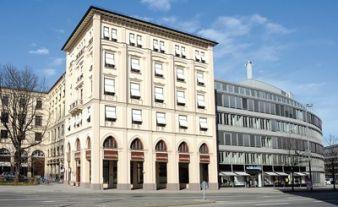 Mit neuer Innenstadtlage will Schlichting die Insolvenz überwinden.
