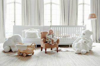 Weniger ist mehr: die Kollektion Less mit passender textiler Ausstattung.