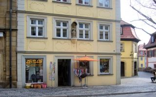 """""""Zeitlos"""" im Herzen der Bamberger Altstadt ist Anlaufstelle für Eltern, Großeltern und Touristen, die natürliche Materialien zu schätzen wi..."""