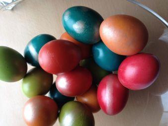 Jährlich werden ca. 20.800 Tonnen Schokolade zu Ostereiern verarbeitet.