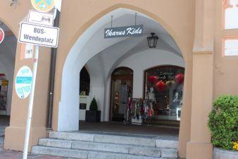 Ikarus Kid's ist in die historische Ainmiller-Passage eingebettet, einem Gebäude aus dem 18. Jahrhundert.