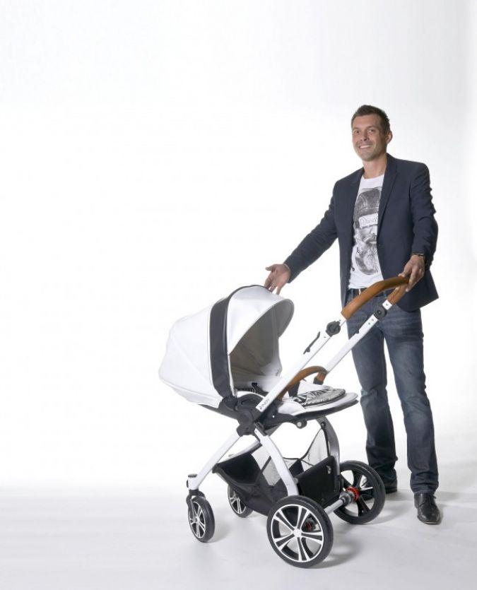 INDY heißt das neue Modell von Gesslein, das Alexander Popp hier stolz präsentiert. Foto: Gert Klaus