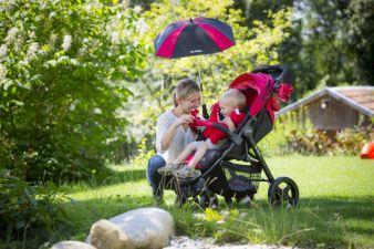 Der Avito kann mit Zubehör wie Sonnenschirm, Wickeltasche und Becherhalter ergänzt werden.