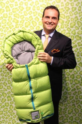 Zwei unverzichtbare Originale: Guido Bangert, Geschäftsführer von Odenwälder BabyNest, und sein Hightech-Fußsack Cocy.