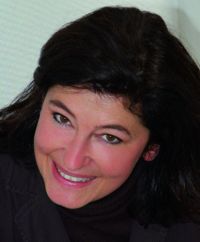 Als Marketingleiterin bei Rotho Babydesign ist Silvia Emge Expertin in Sachen Babypflege.