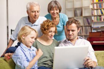 Ob beim Online-Shopping oder im stationären Geschäft: Um verschiedene Käufergruppen anzusprechen, müssen sich Unternehmen auf den demografische...