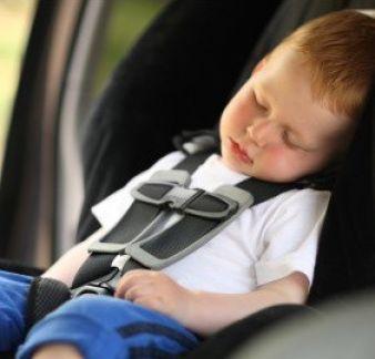 Schlafende Kinder werden dank \
