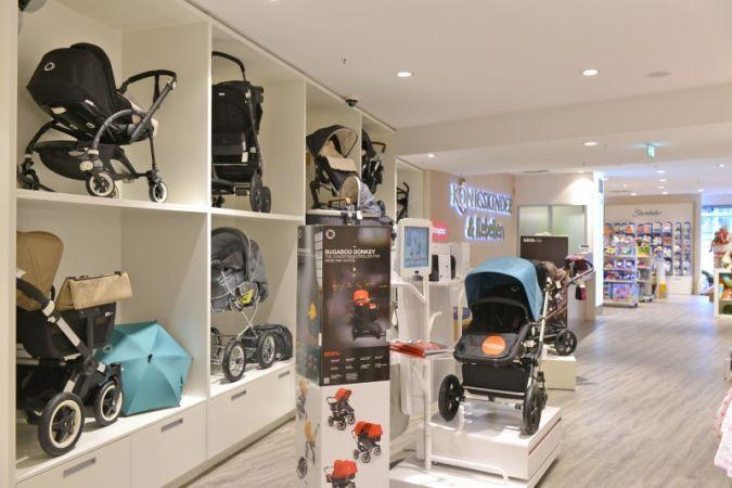 Im Obergeschoss erweitern Königskinder & Rebellen von Carmen Budke das Sortiment um hochwertige Kinderkleidung und Babyausstattung.
