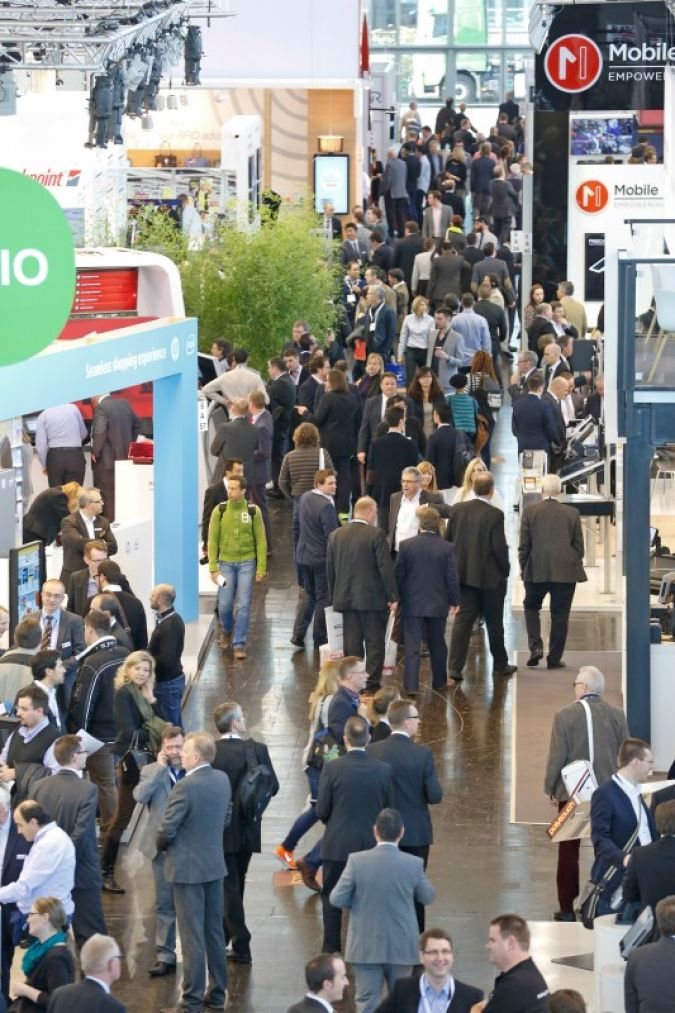 Wegen der starken Nachfrage belegte die EuroShop in Düsseldorf 2014 erstmals 16 statt 15 Hallen. Foto: Constanze Tillmann