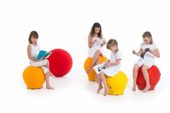 In Mailand zu bewundern: lustige Kindermöbel von LINAkids aus Slowenien.