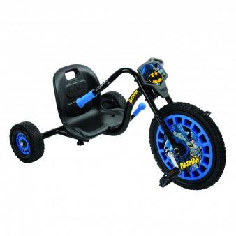 Mit dem Dreirad-Chopper Batman Hero Trike von hauck TOYS FOR KIDS sind Kinder ab vier Jahren ihrem Helden dicht auf den Fersen.