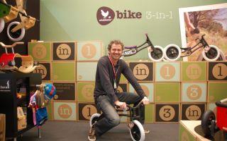 Wishbone-CEO Richard Latham testet sein eigenes 3-in-1 bike.