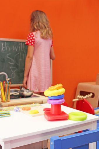 Die Spielecke und ein Wickeltisch sollen entspanntes Einkaufen für die ganze Familie ermöglichen.