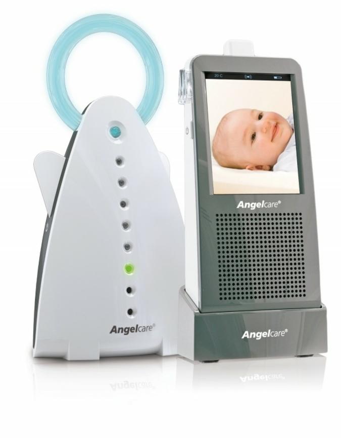 Der AC1120 ist ein 2-in1 Babyphone mit Videoüberwachung, dessen Touchscreen eine  einfache und komfortable Bedienung ermöglicht. Foto: Angelcare®
