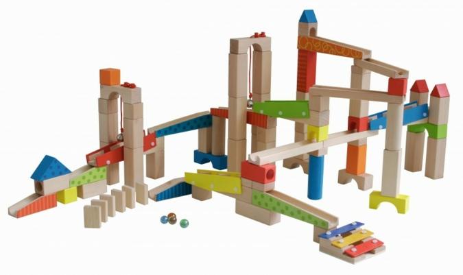 Gerade bei Holzspielzeug sind Sicherheit und Qualität wichtige Faktoren.