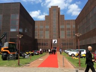Der prämierte Kinderwagen wird – wie alle Siegerprodukte 2015 – im Red Dot Design Museum auf dem historischen Gelände der Zeche Zollverein in...