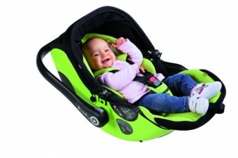 """Mit der """"kiddy evo-lunafix""""-Babyschale werden Kinder in und außerhalb des Pkw in gesunder Liegeposition transportiert."""