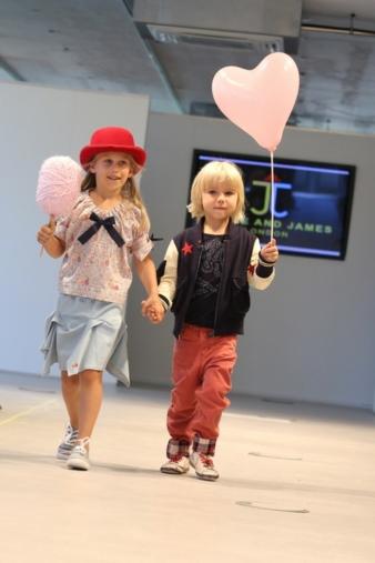Zusätzlich zu den Fashion Shows finden in Düsseldorf zukünftig auch Modenschauen von nicht ausstellenden Labels statt.