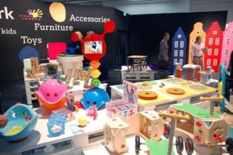 Anfassen erlaubt: Designer und Hersteller aus 15 Ländern präsentierten ihre Produkte in Köln.