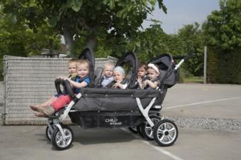 Die Sitze des Six Seater lassen sich für jedes Kind einstellen.