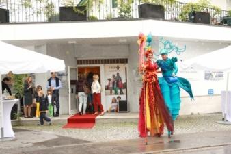 """Das 15-jährige Bestehen von """"Nicki's"""" Am Mühlbach wurde mit einem VIP-Sale, gutem Essen und Akrobaten gefeiert."""