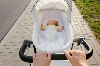 Baby-im-Kinderwagen.jpeg