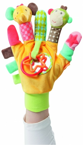 Das Multifunktionsspielzeug verfügt über bunte Plastiksterne  und -reifen, die zum Greifen und Tasten animieren.