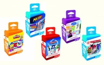 Das Gewinnspiel-Paket besteht aus den fünf verschiedenen Shuffle-Spielen Die Eiskönigin, Monopoly Deal, Nerf, Transformers und Play-Doh.