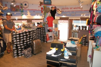 Auf Sylt gibt's Strandpiraten, Rock'n'Roll und natürlich coole Kindermode von Jens Heising.