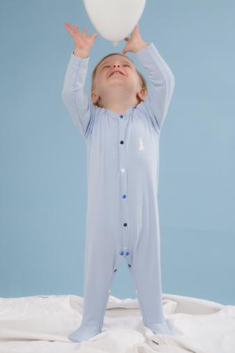 Sfeer_Pyjama blauw met ballon