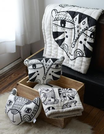 Wee Gallery - Quilt and Pillows Lifestyle(1)_web