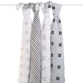 2061_1-classic-swaddle-love-struck-hanging_small_neu